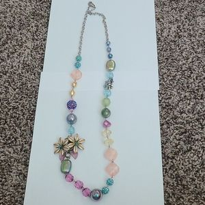 Womens bead and flower necklace